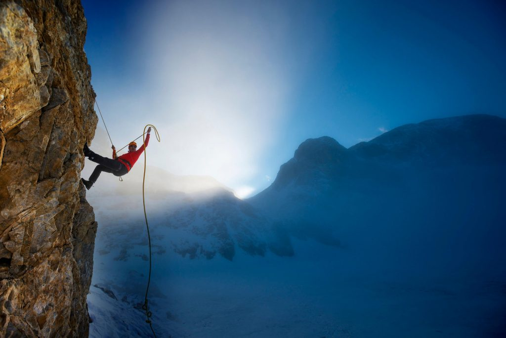 extreme-winter-climbing-000089894303_Large